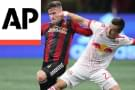 Bradley-Wright Phillips Scores Twice For NY Red Bulls, Beat Atlanta 3-1