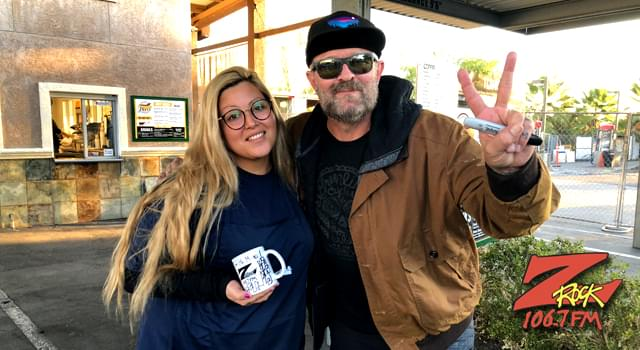 Wake the Buc Up! – River's Hot Dogs in Oroville 10-25-18