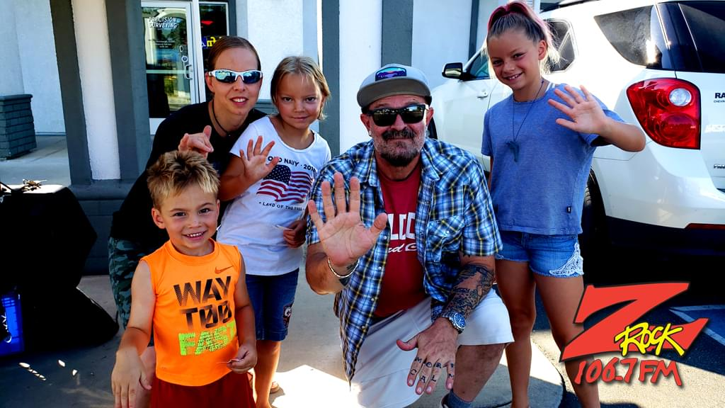 Tim Buc Moore with junior Buc-heads at I-5 Cafe & Creamery in Orland for Wake the Buc Up on 106.7 Z-Rock, Thursday October 1st 2019