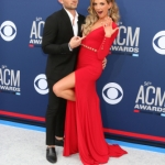 Carly Pearce and Michael Ray Share Thanksgiving with a Stranger at Cracker Barrel and the Story will Melt Your Heart {PICS}