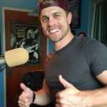 Dustin Lynch Acoustic Sessions