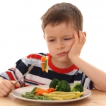 Mom's Simple Hack Encourages Her Child To Eat His Vegetables!