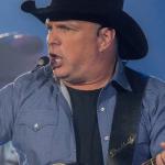 Garth Brooks Live