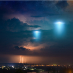 UFO Sighting in Miami Proves Aliens Are Coming For Us. ~ CASH {Watch}