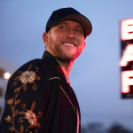 """Cole Swindell Honors Late Mother With Touching Performance of """"You Should Be Here"""""""