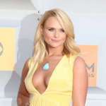 "Miranda Lambert Takes ""Magical"" Road Trip to North Carolina {PICS}"