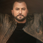Tyler Farr and Wife Hannah Welcome Daughter Hollis Caroline Six Weeks Early Following 'Complications'