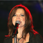 Martina McBride Performs Free Virtual Concert {WATCH}