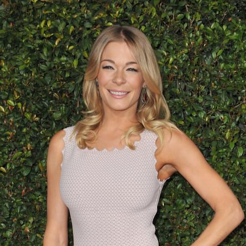LeAnn Rimes Opens Up About Psoriasis Battle with Nude Photos: 'I'm Tired of Hiding'