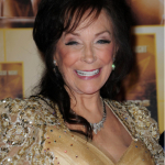 """Loretta Lynn Gets Vaccinated: """"I'm Sure Glad To Get It and Am Sure Ready to Put Covid in the Rearview Mirror"""" {PIC}"""