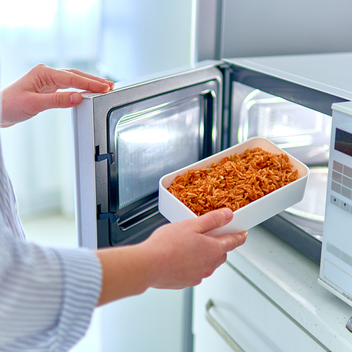 This Microwave Hack Shows How We've Been Heating Up Our Food Wrong [VIDEO]