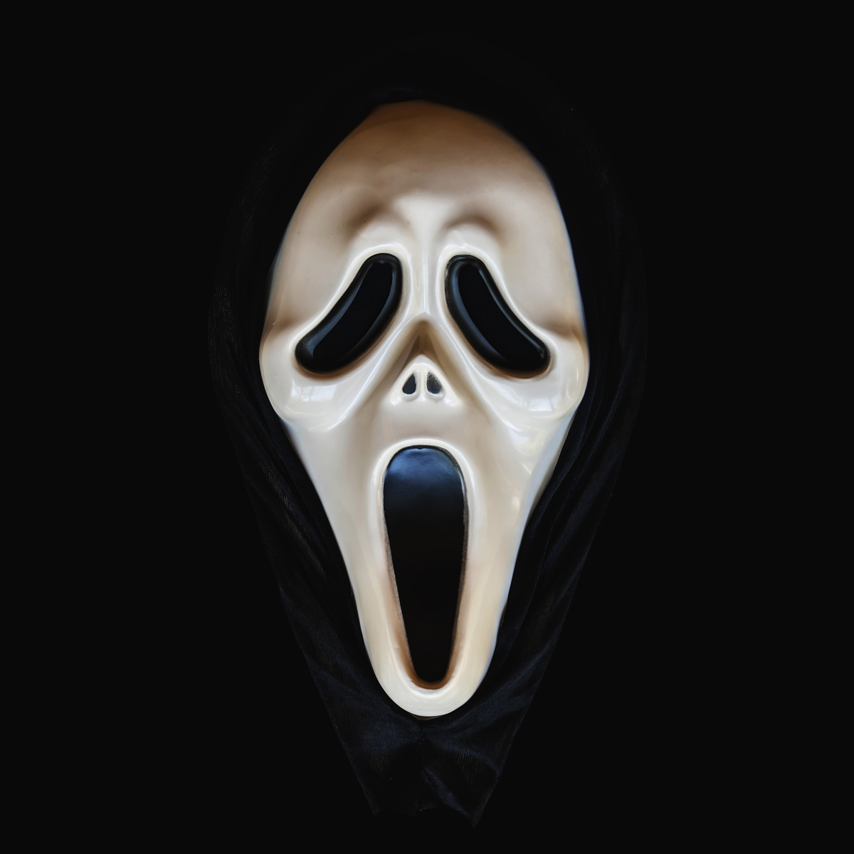"""""""Scream"""" 5 Movie Trailer Drops 25 Years After the Original. {Watch}"""