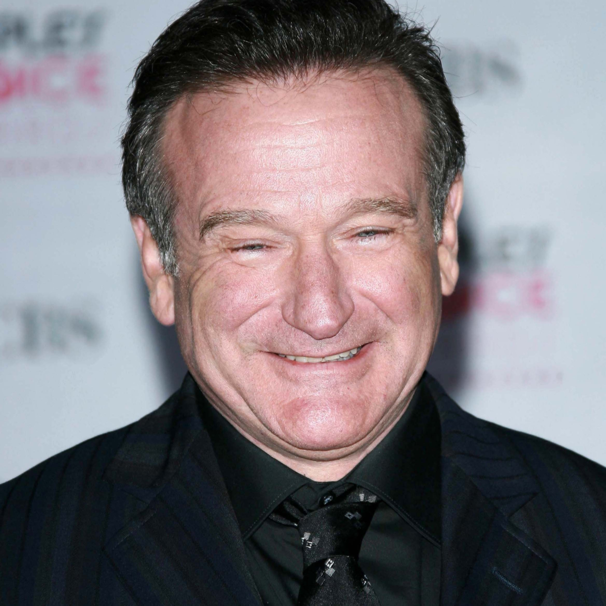 Robin Williams Fans Are Blown Away By This Actor's Impersonation {WATCH}