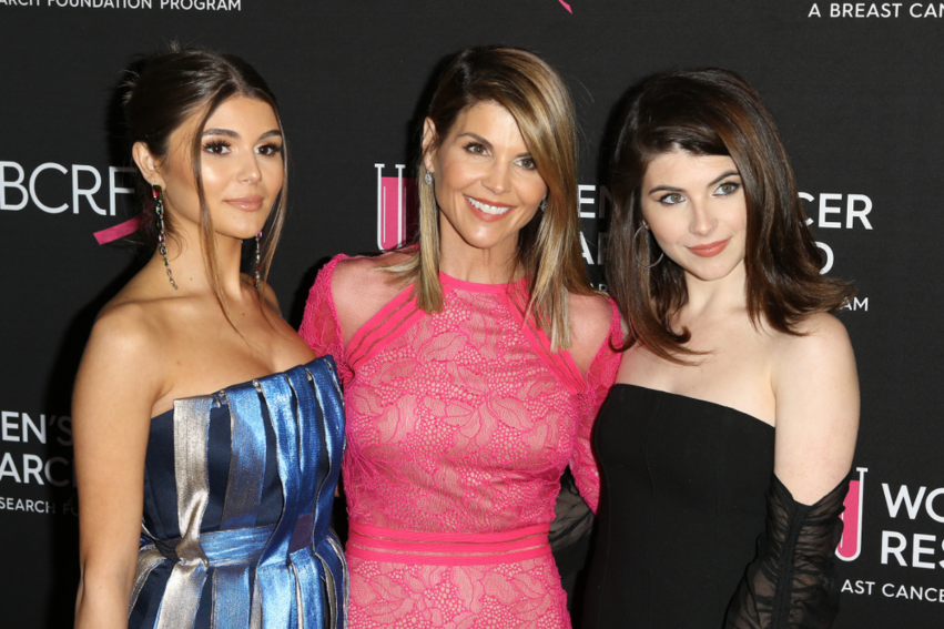 Lori Loughlin & Husband Will Plead Guilty In College Admissions Scandal, Will Serve Prison Time