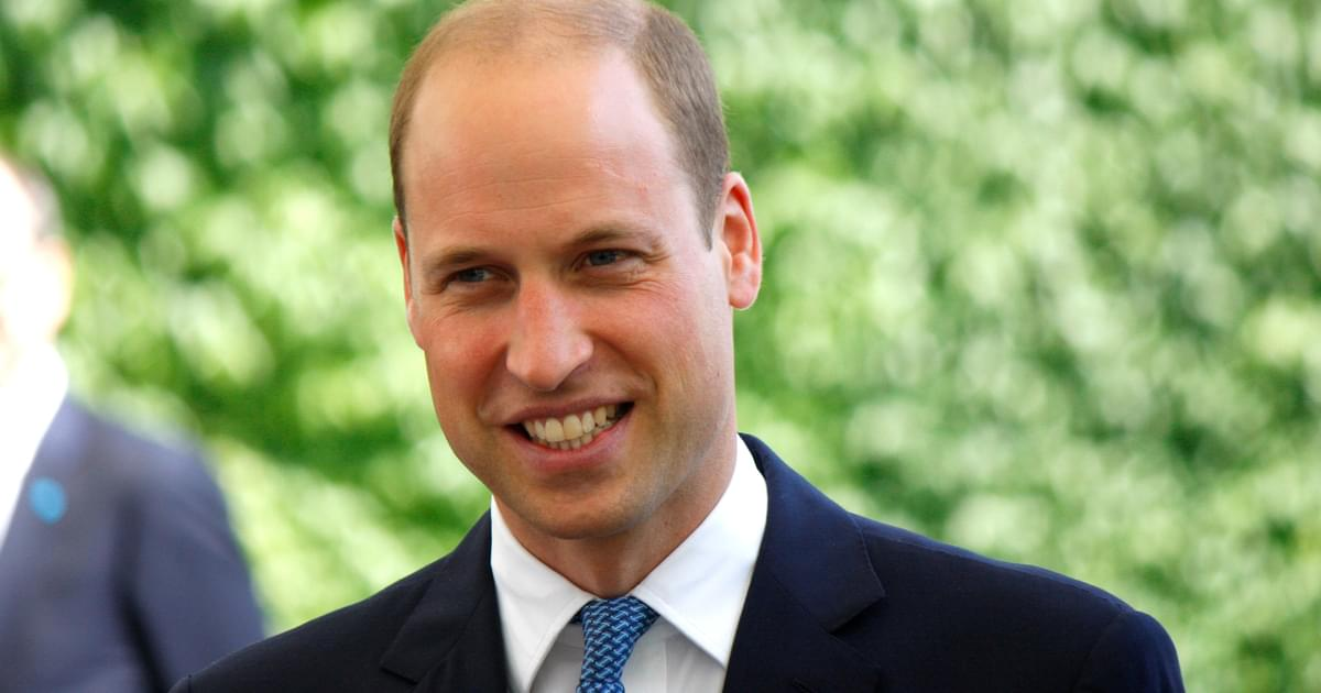 Hilarious Photos of Prince William Gazing Into a KFC Have Gone Viral