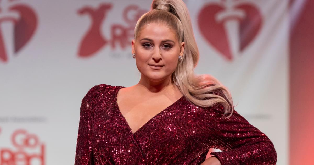 """Meghan Trainor Reveals Baby Is Breech at 36 Weeks: """"I've Been Laying Upside Down on My Couch Everyday"""" [PIC]"""