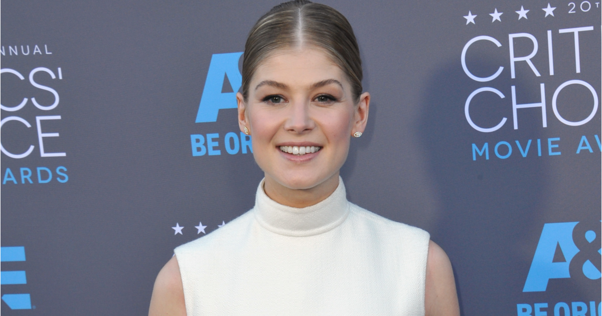 Rosamund Pike and Kelly Clarkson Speak Out Against Their Images Being Altered Without Consent