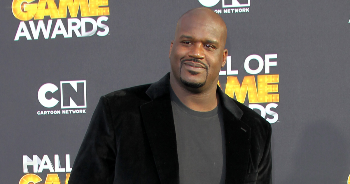 Shaquille O'Neal Pays for Random Stranger's Engagement Ring {WATCH}