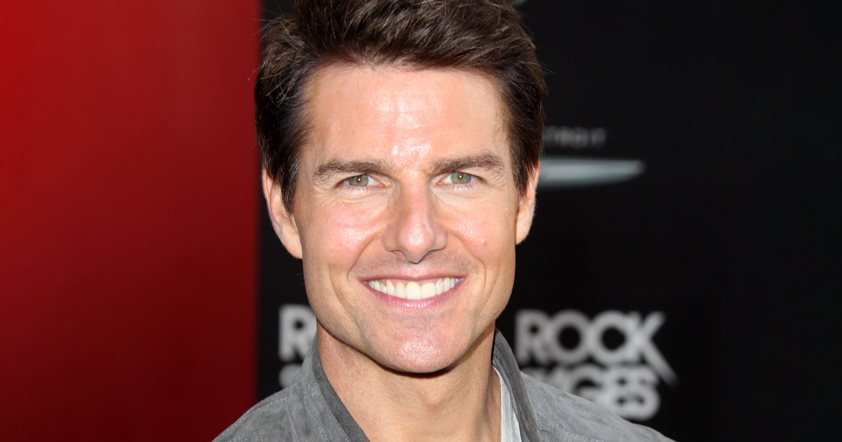 Tom Cruise Lands Helicopter in Family's Yard; Takes Them For a Ride