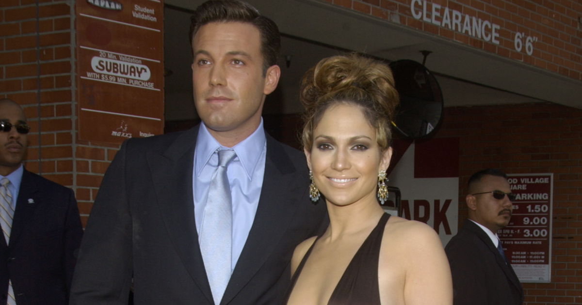 Ben Affleck Protects Jennifer Lopez From Fan Who Gets Too Close [VIDEO]