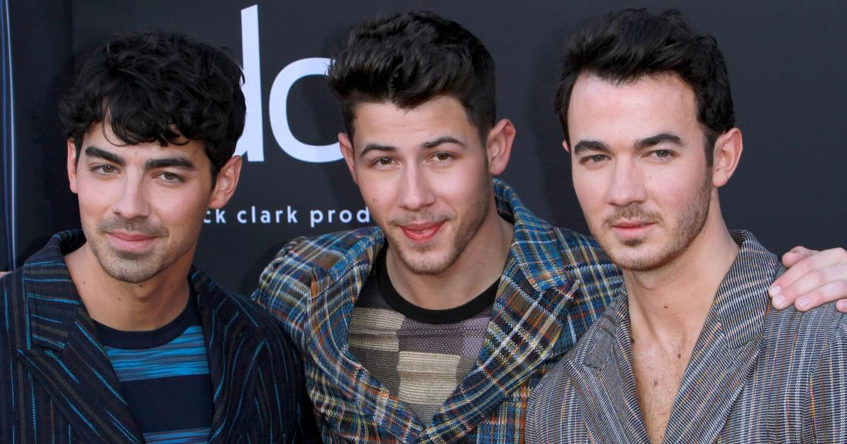 Jonas Brothers Use Twitter To Announce Two New Songs!