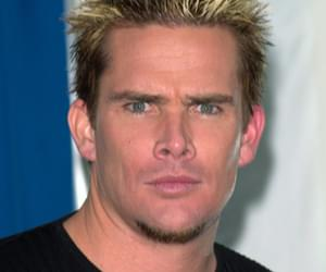 Somebody Paid Sugar Ray's Mark McGrath to Make a Cameo Video Breaking Up With Her Boyfriend [VIDEO]