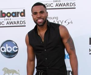 Jason Derulo Denies Photoshopping Viral Photo of His Package [PIC]