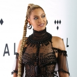"""Britney Spears Claims Title of """"Queen B,"""" Forgetting Beyoncé Exists"""