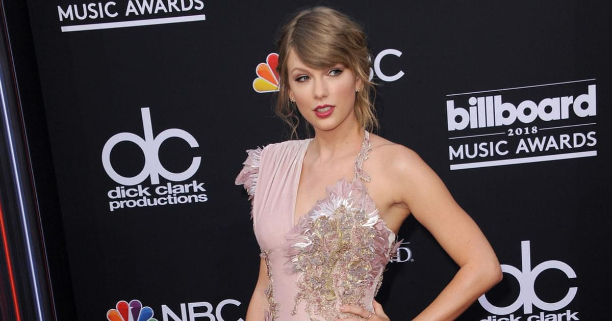 Taylor Swift's Releases 'Cabin in Candlelight' Version of 'Cardigan' [VIDEO]