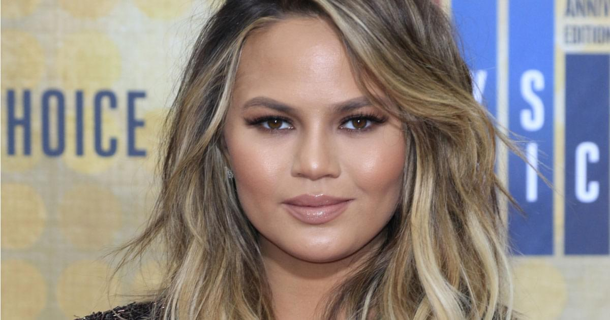 Chrissy Teigen Is Back On Twitter: I Miss The 'Chuckles'