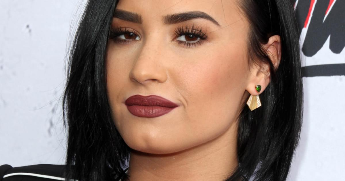 Demi Lovato Reveals New Half-Shaved Haircut: 'I Did a Thing' {PICS}