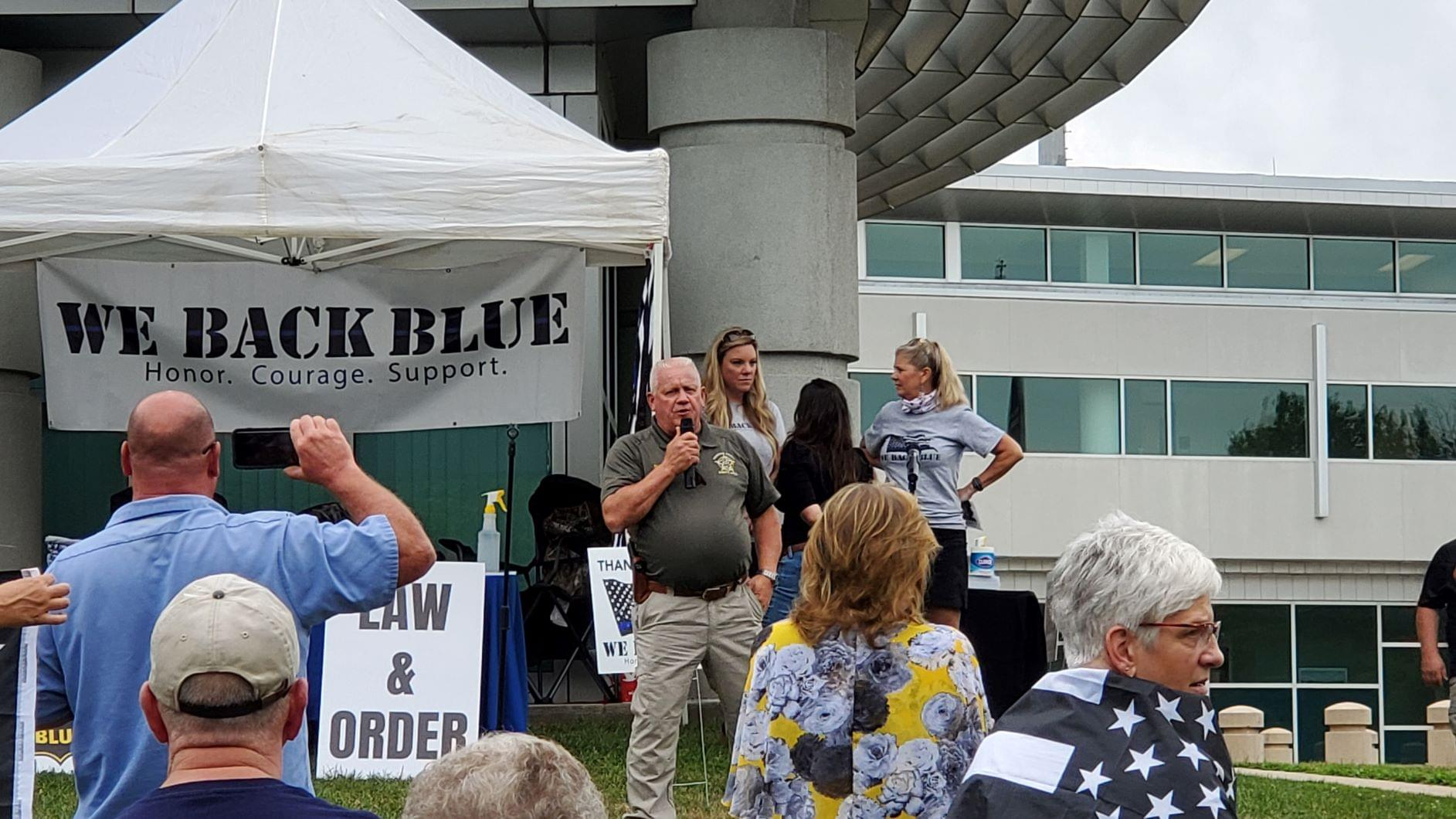 'Back the Blue' Rally Held in Frederick County