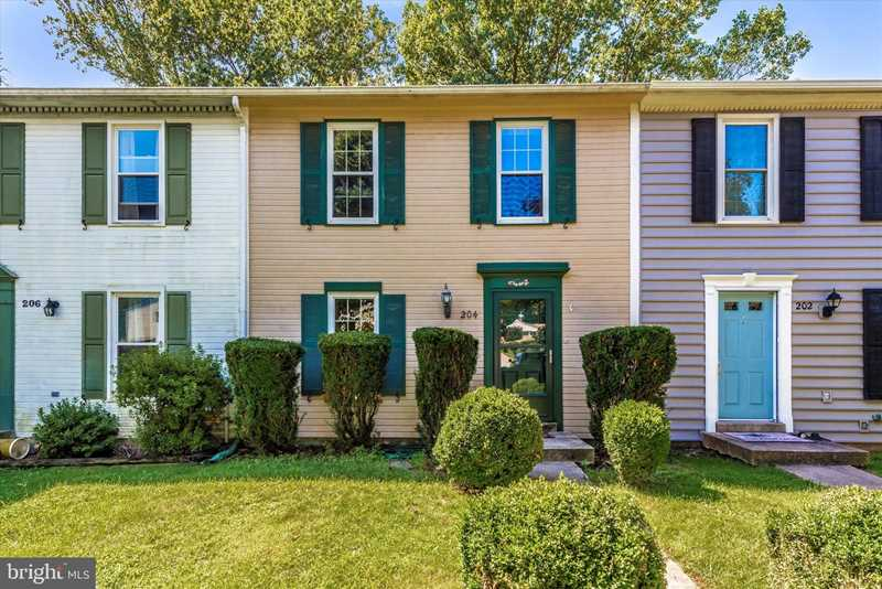204 Hoff Ct, Mount Airy, MD 21771