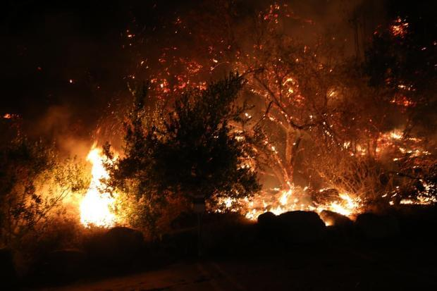 Bobcat Fire Continues to Threaten Homes in Socal