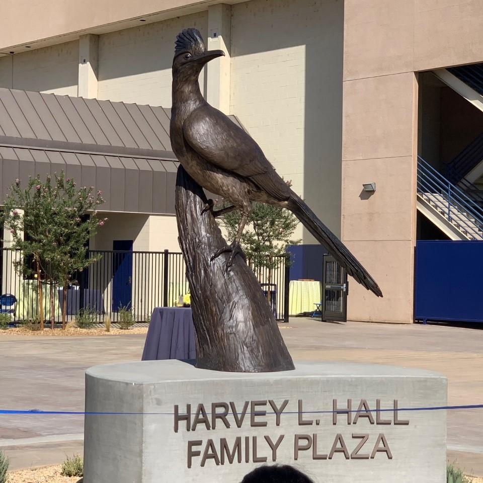 CSUB Dedicates the Harvey L. Hall Family Plaza