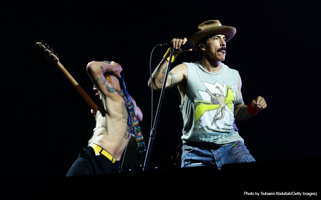 Red Hot Chili Peppers Pay Tribute to Ric Ocasek in Singapore