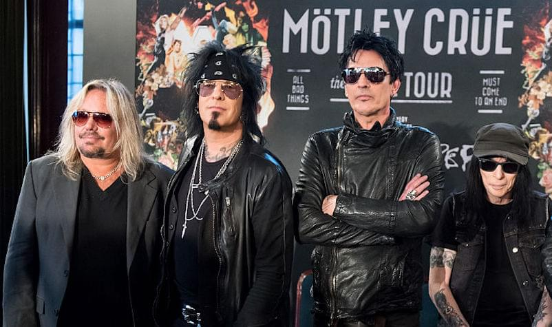 Mötley Crüe Officially Confirms Reunion