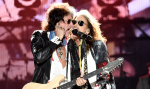 Steven Tyler shows you what NOT to do to #BeatTheVirus