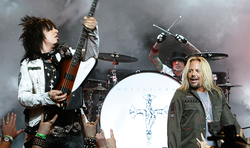 MÖTLEY CRÜE Has Launched Its Own Line Of Hot Sauce