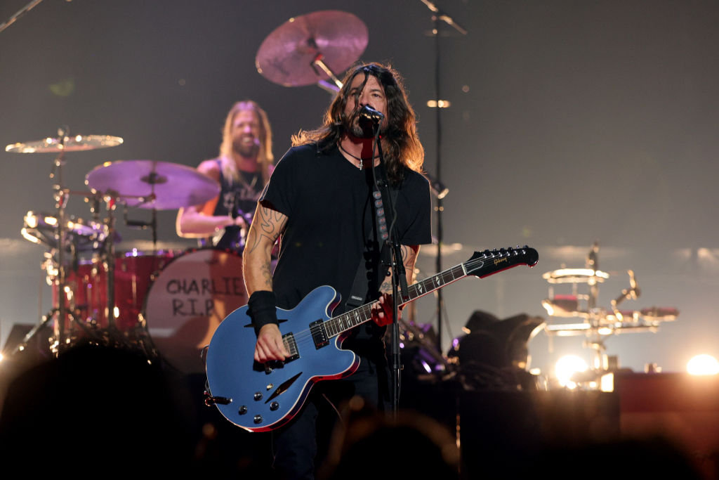 Foo Fighters Receive The U.S. Global Icon Award At The 2021 VMAs