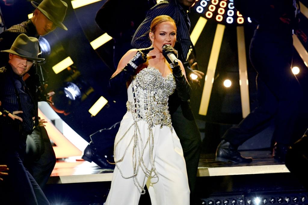 Jennifer Lopez Will Receive The Michael Jackson Video Vanguard Award At This Year's VMA's