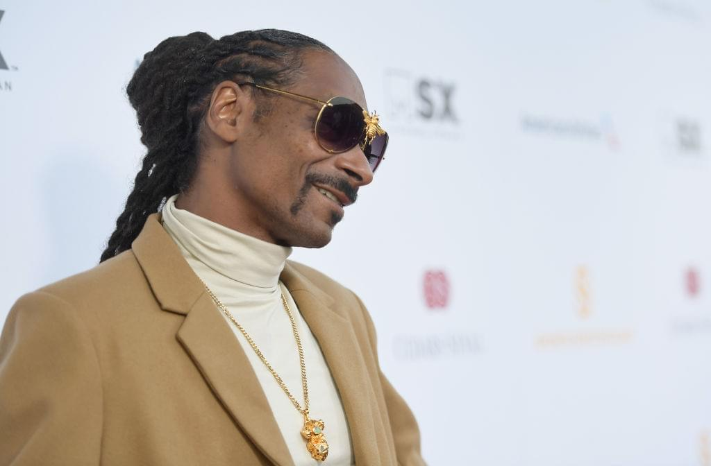 "Snoop Dogg is Set Drop A Cookbook Called ""From Crook To Cook"""