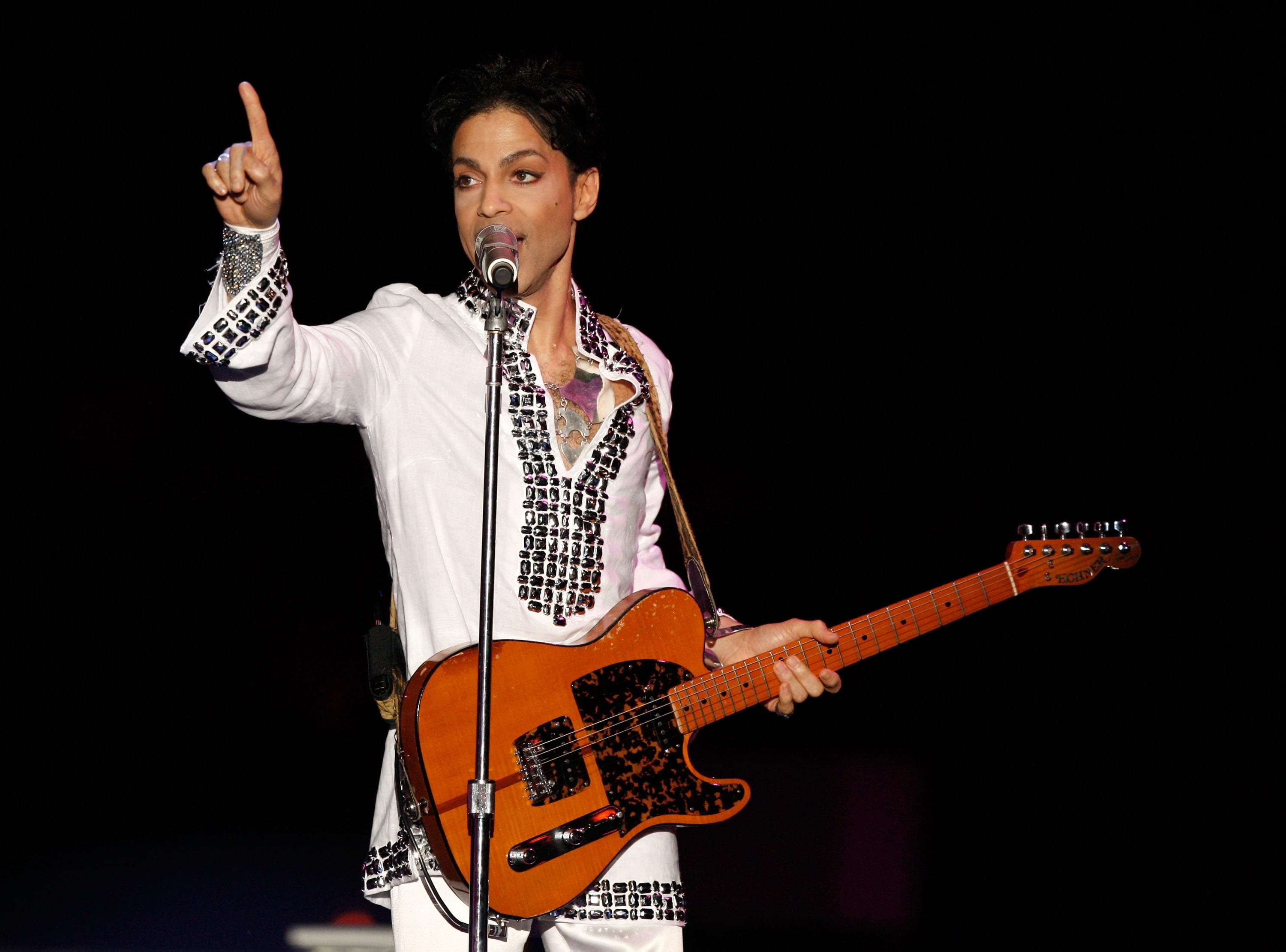 Prince's Family Sues Doctor That Prescribed Him Pain Pills Before His Death