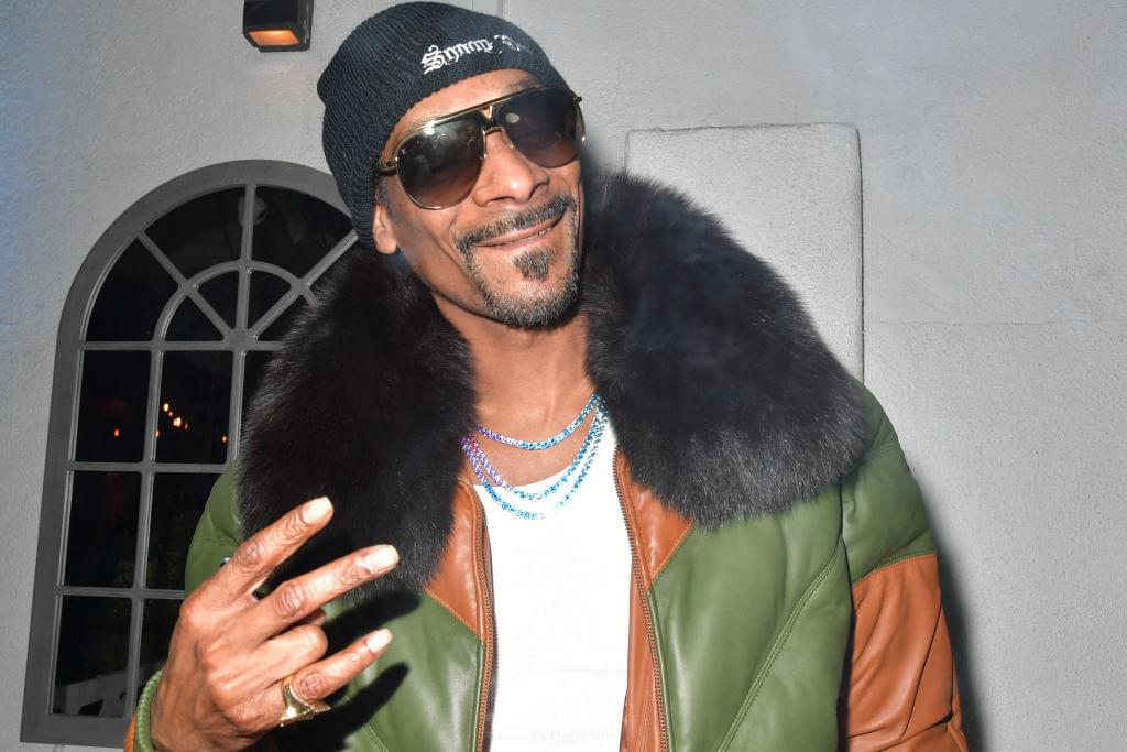 [WATCH]: Snoop Dogg Narrate a YouTube Make-Up Tutorial
