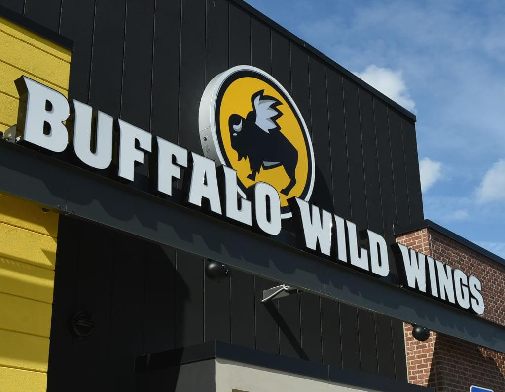 Buffalo Wild Wings Offering 'Free Wings' If Super Bowl LIV Goes Into Overtime