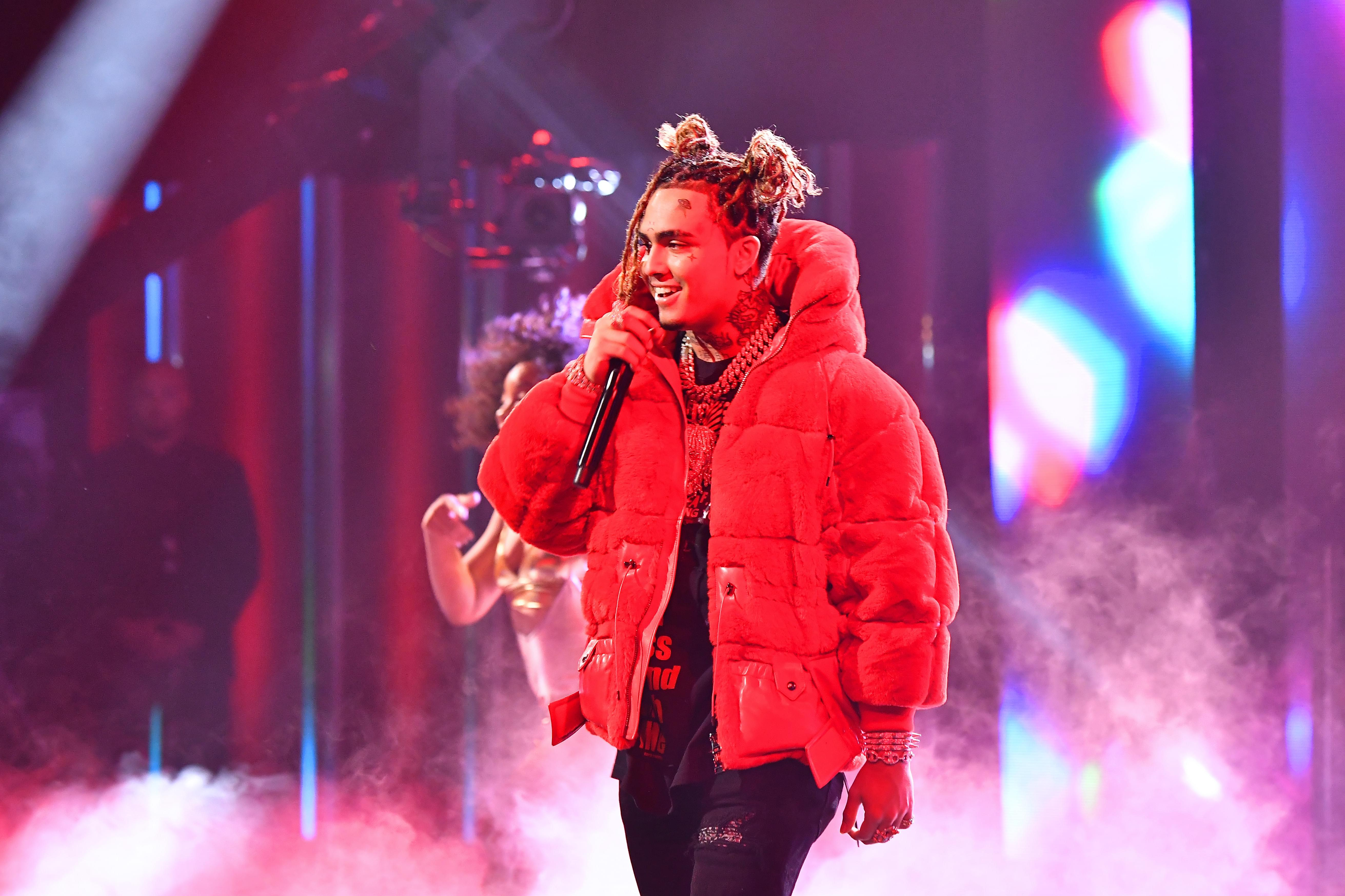 Lil Pump Throws A Pizza Party On Skid Row