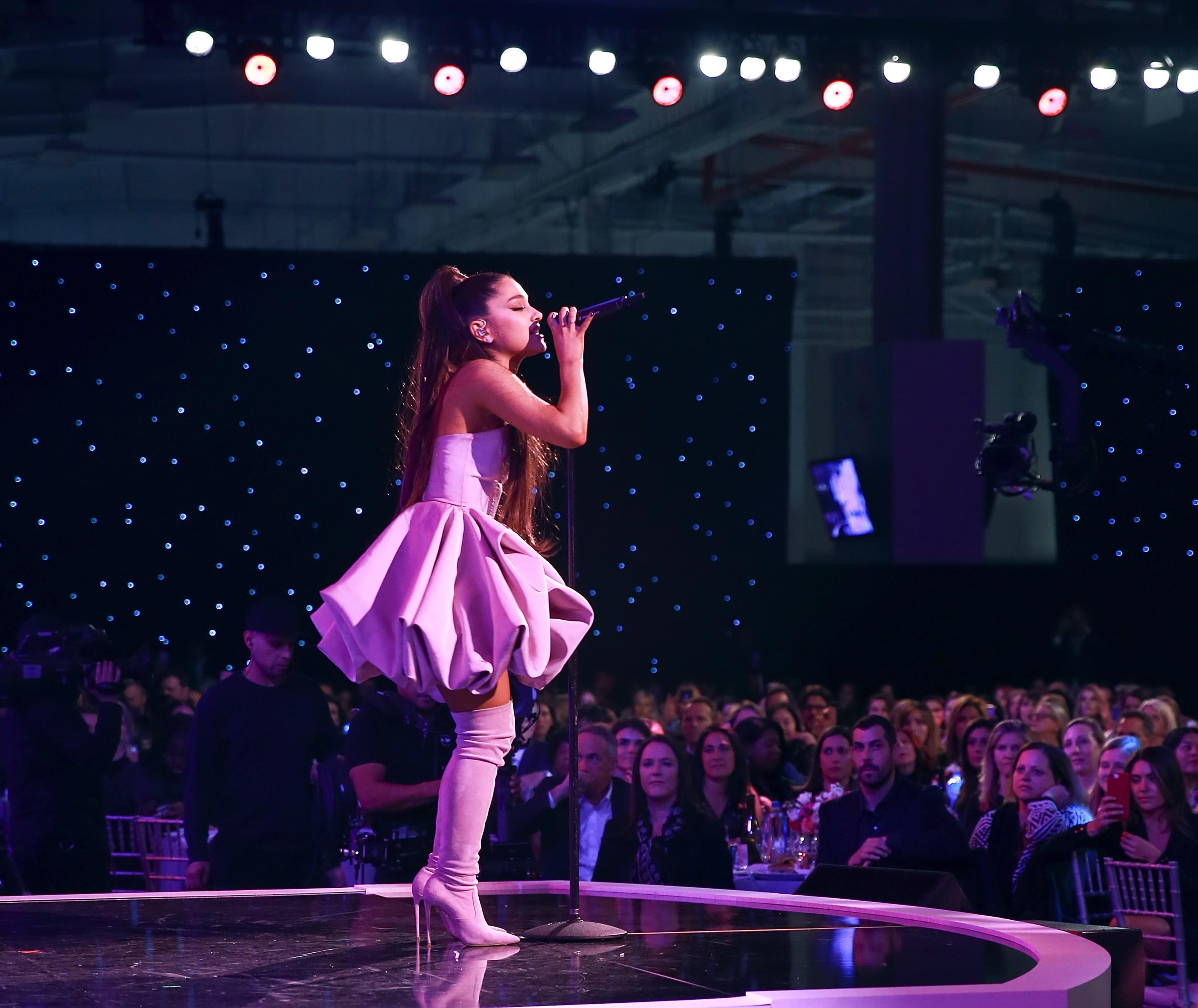 Ariana Grande Sued Over Pictures Of Herself!