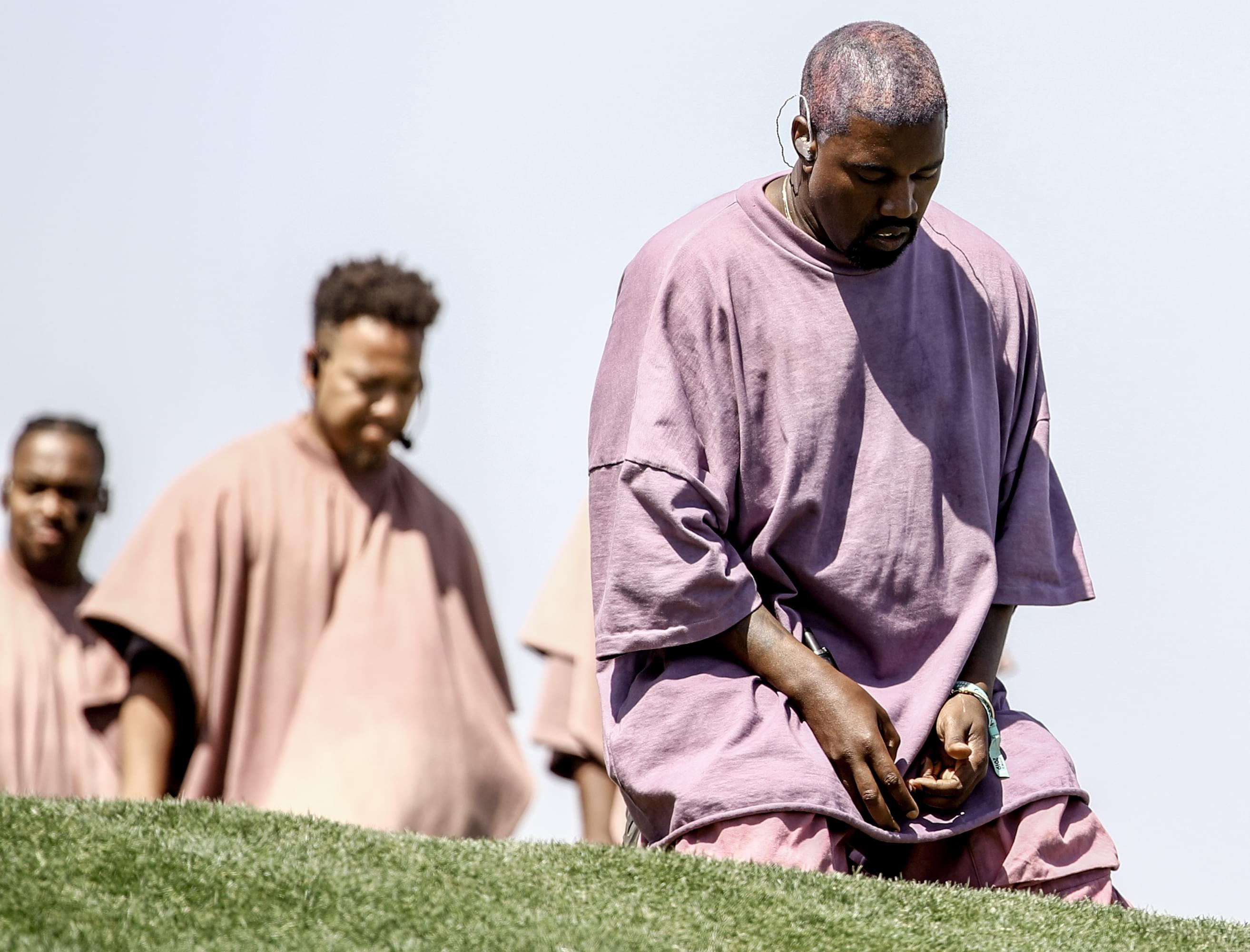 Kanye West Pays Tribute to Kobe Bryant at Midnight Sunday Service