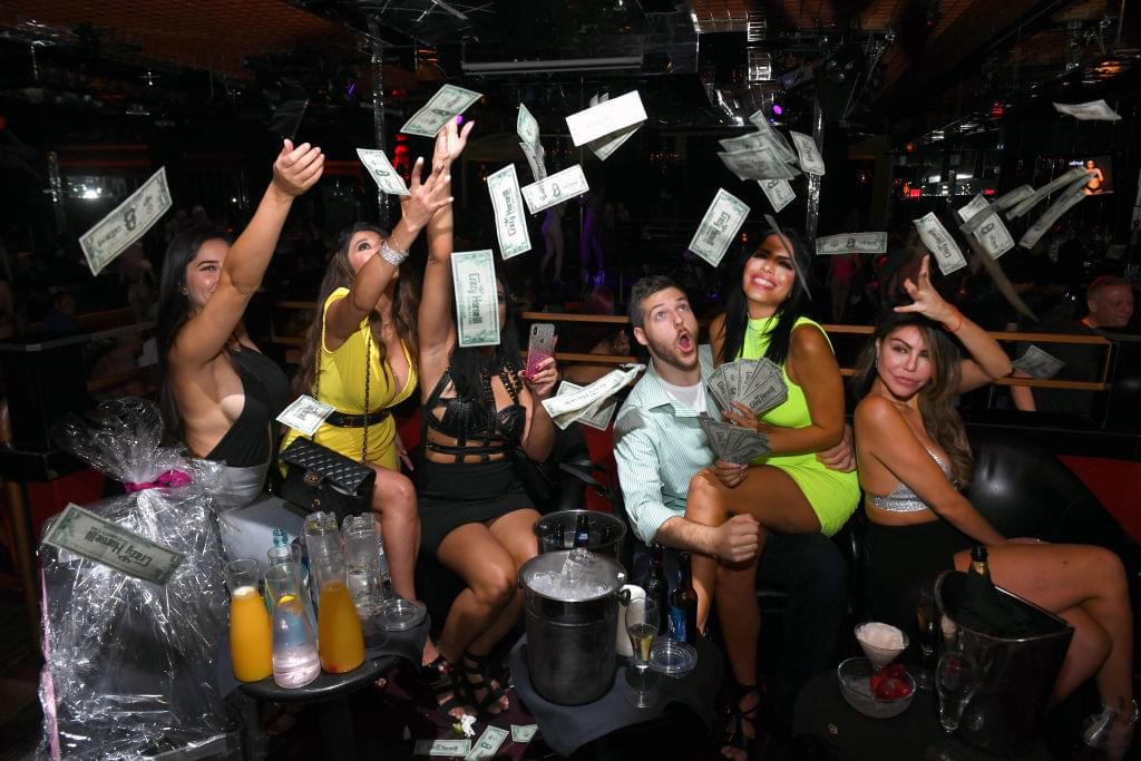 Strip Clubs Are Giving Out Lap Dances, Face Masks AND Hand Sanitizers