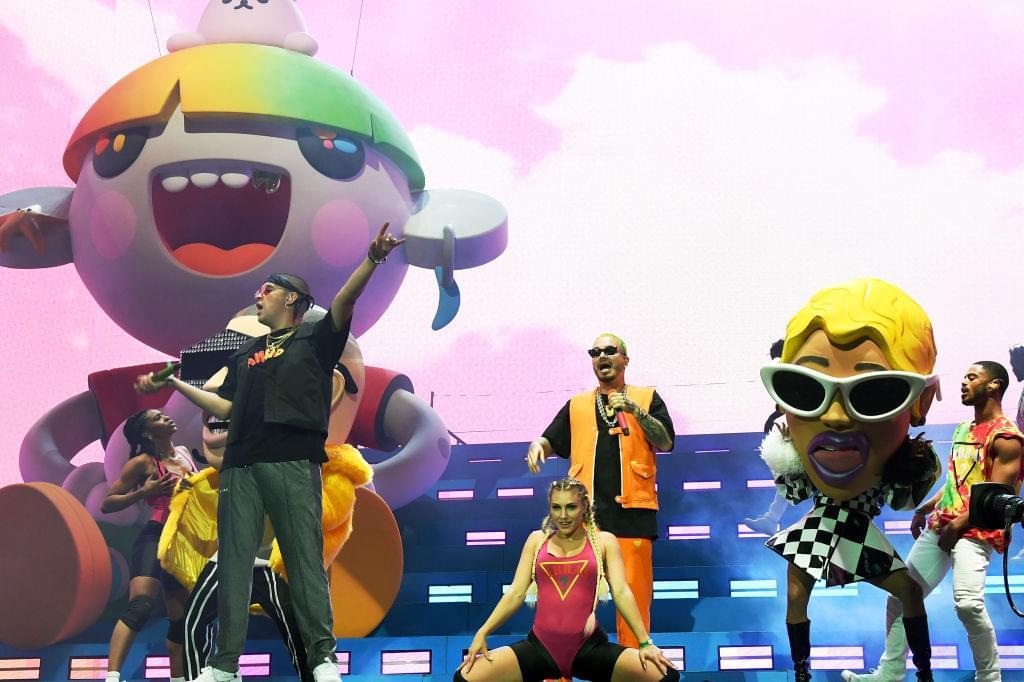J Balvin y Bad Bunny go Rock en Español